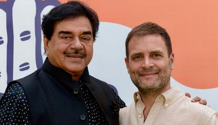 Image result for शत्रुघ्न सिन्हा 6 अप्रैल को कांग्रेस पार्टी का दामन थाम सकते हैं।